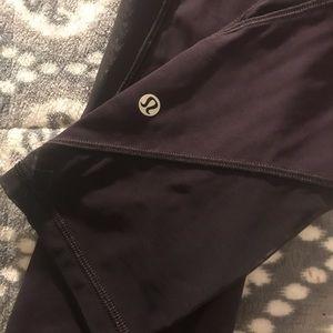 dark purple cropped lululemon leggings